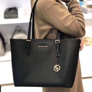 👜New Michael kors  jet set travel tote 👜